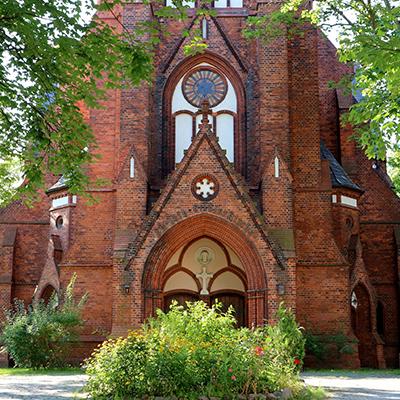 Kfzgutachten Beitragsbild Lichtenberg mit einer schöne Kirche