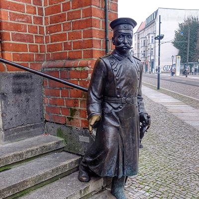 Kfzgutachten Beitragsbild der Hauptmann von Köpenick in Berlin Treptow-Köpenick